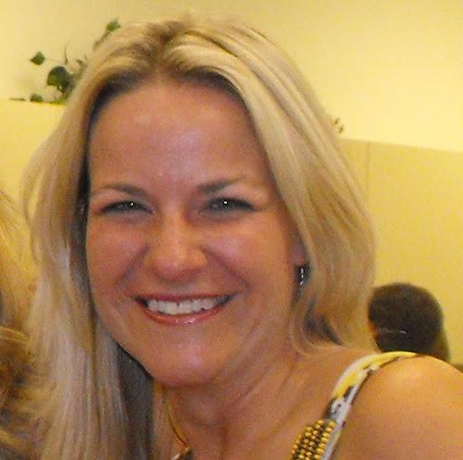 Danna Lewis