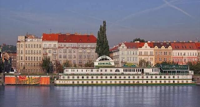 Botel Admirál, Hořejší nábřeží, 150 00 Praha 5 - Smíchov, Czech Republic