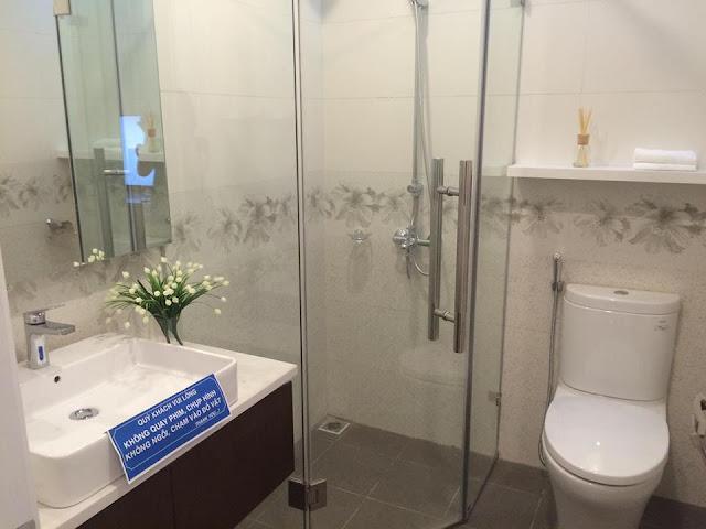Phòng tắm căn hộ mẫu tại FLC Star Tower