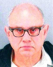 Larry Brinkin, histórico lider del lobby gay detenido por pornografía infantil