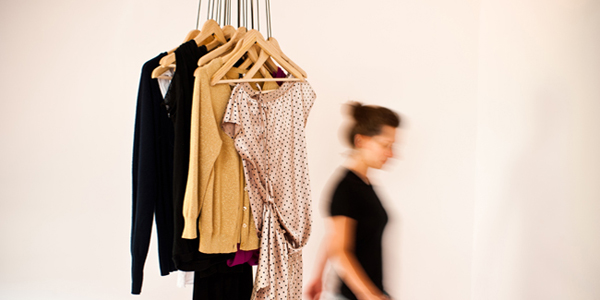 Alice Rosignoli - 20 Hangers Wardrobe
