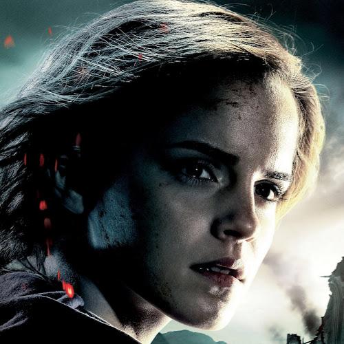 Emma Roberts (Emma10123)