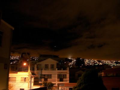 Ovni luminoso en La Paz, Bolivia - 15 de marzo 2011