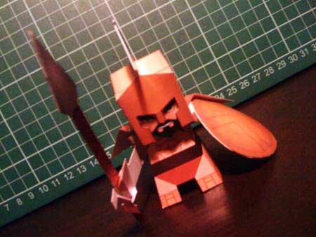 Leonidas Paper Toy