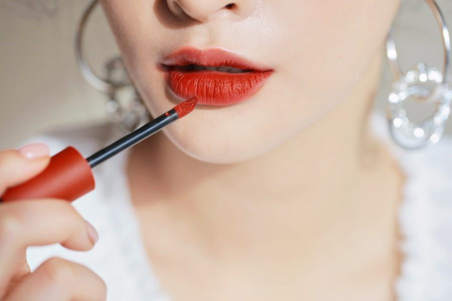 Son kem 3CE Soft Lip Lacquer màu Null Set (đỏ gạch)