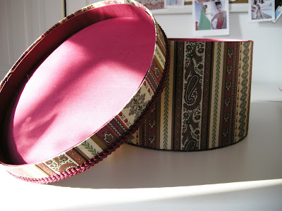 DIY Hat Box, DIY Fabric Box, DIY Box, Handmade hat box, Fabric Covered box