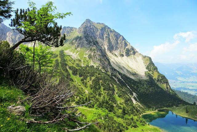Aufstieg zum Obere Gaisalpsee Blick auf Untere Gaisalpsee und Rubihorn
