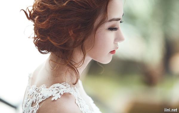 thơ phận làm dâu hay