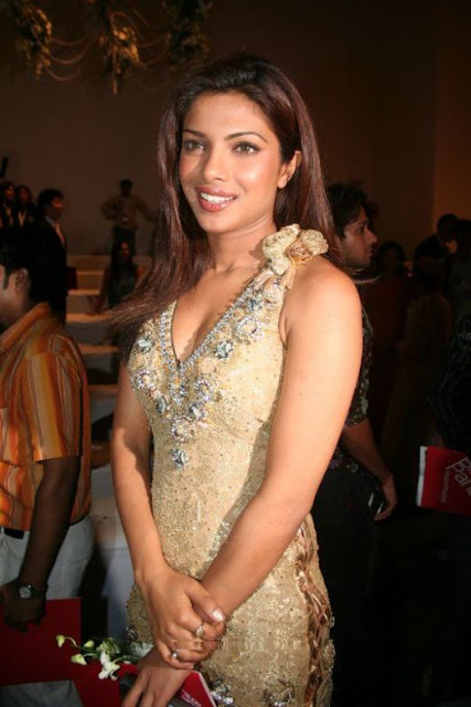 sexy priyanka Chopra, indian hot actress, sexy miss world