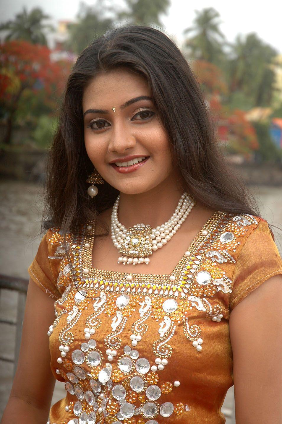 Tamil Actress New Cute Photos,Pics