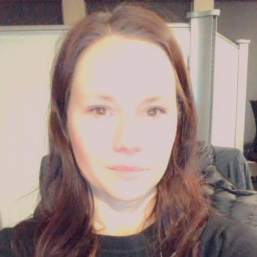 Elizabeth Jones Profile Photo