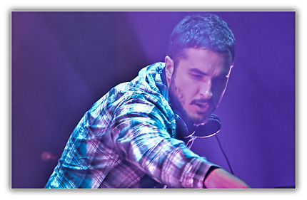 zane23 Zane Lowe – Live on Radio 1 CABLE 04 14 2011