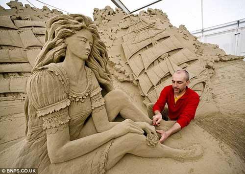 sand sculpture 3