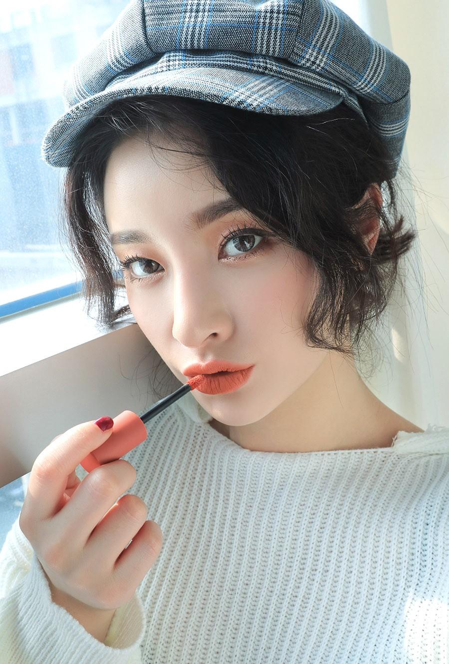 Son kem 3CE Soft Lip Lacquer màu Peach Tea (cam nude)