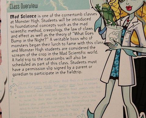 Monster High - Classroom Playset - Lagoona Blue y Ciencia Loca (Mad Science)