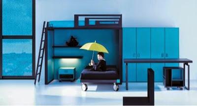 Dormitorio con cama alta y cama baja cruzadas para niños
