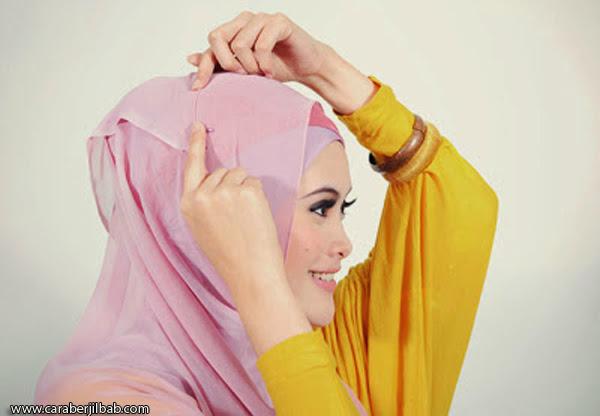 Cara Memakai Jilbab Segi Empat Yang Simpel