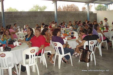 Festejo del Día de las Madres en la Hacienda Larraldeña
