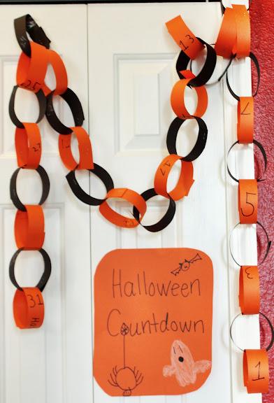 Halloween Countdown Paper Chain Calendar