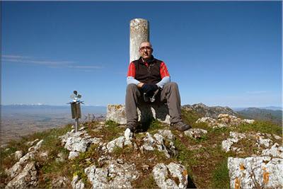 Peña del León mendiaren gailurra 1.389 m.  --  2013ko maiatzaren 26an
