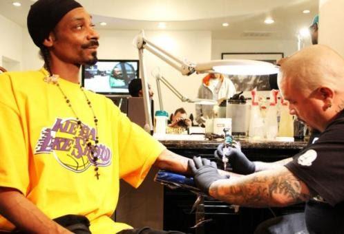 nate dogg snoop dogg. Snoop Dogg Gets Nate Dogg