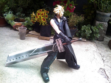 Final Fantasy VII Advent Children Cloud Strife Papercraft