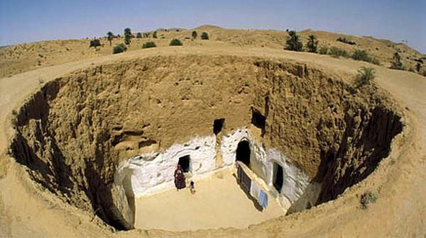 Хауш - внутренний двор пещеры троглодитов