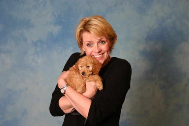 Amanda Tapping and a dog
