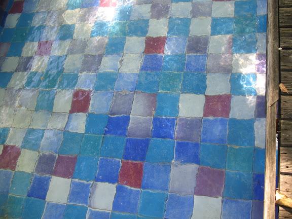 Agua sobre los azulejos