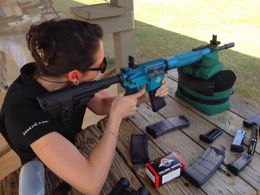 woman's ar15 rifle ready for 3gun