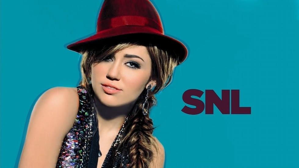 Miley Cyrus Rocks Underboob, Amazing Abs in Underwear for