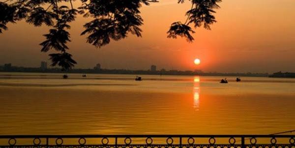 Những bài thơ viết về Hồ Tây (Hà Nội) hay nhất