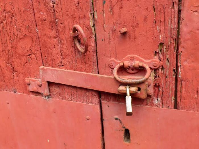 lock red door