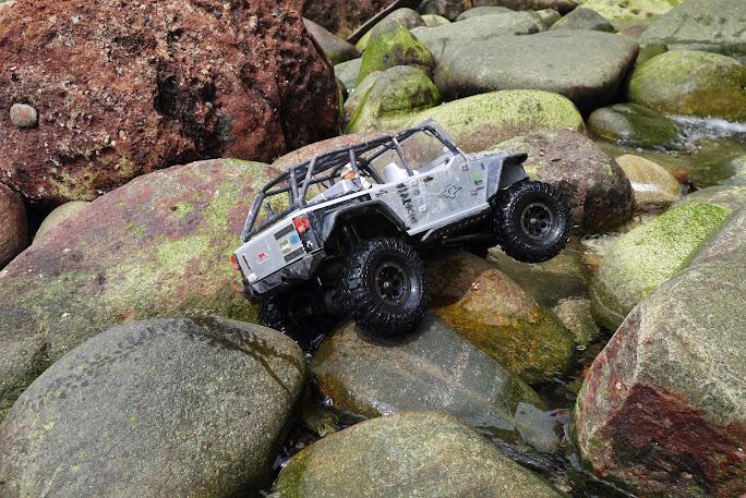 jeep - Axial Jeep Borneo escapade P1020607