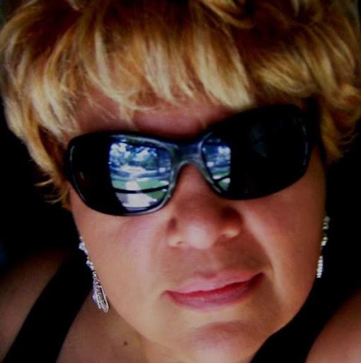 Gloria Izquierdo Photo 10