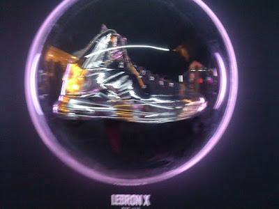nike lebron 10 pe allstar chrome 1 02 Nike LeBron X Chrome Displayed at Area 72 in Houston