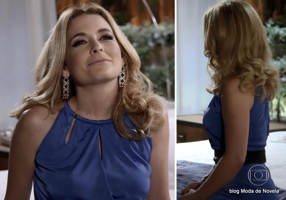 moda da novela Geração Brasil, vestido azul da Pamela dia 21 de outubro