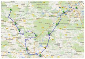 Straßenkarte mit eingezeichneter Fahrtroute.