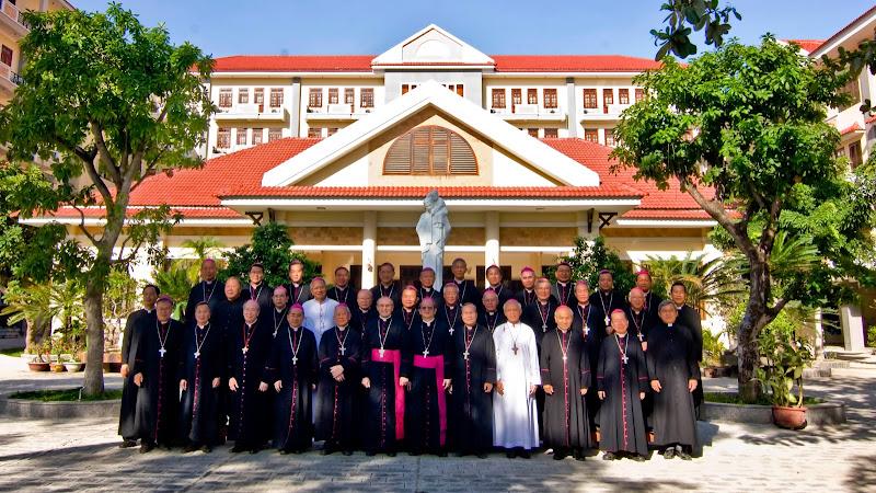 Hình ảnh Giáo Phận Nha Trang hân hoan  đón chào quý Đức Giám Mục trực thuộc HĐGMVN về họp hội nghị thường niên từ ngày  27-30/10/2014