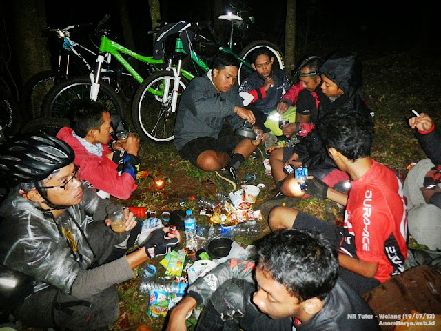 Rest 2, Sahur on the trail (02.15 WIB)
