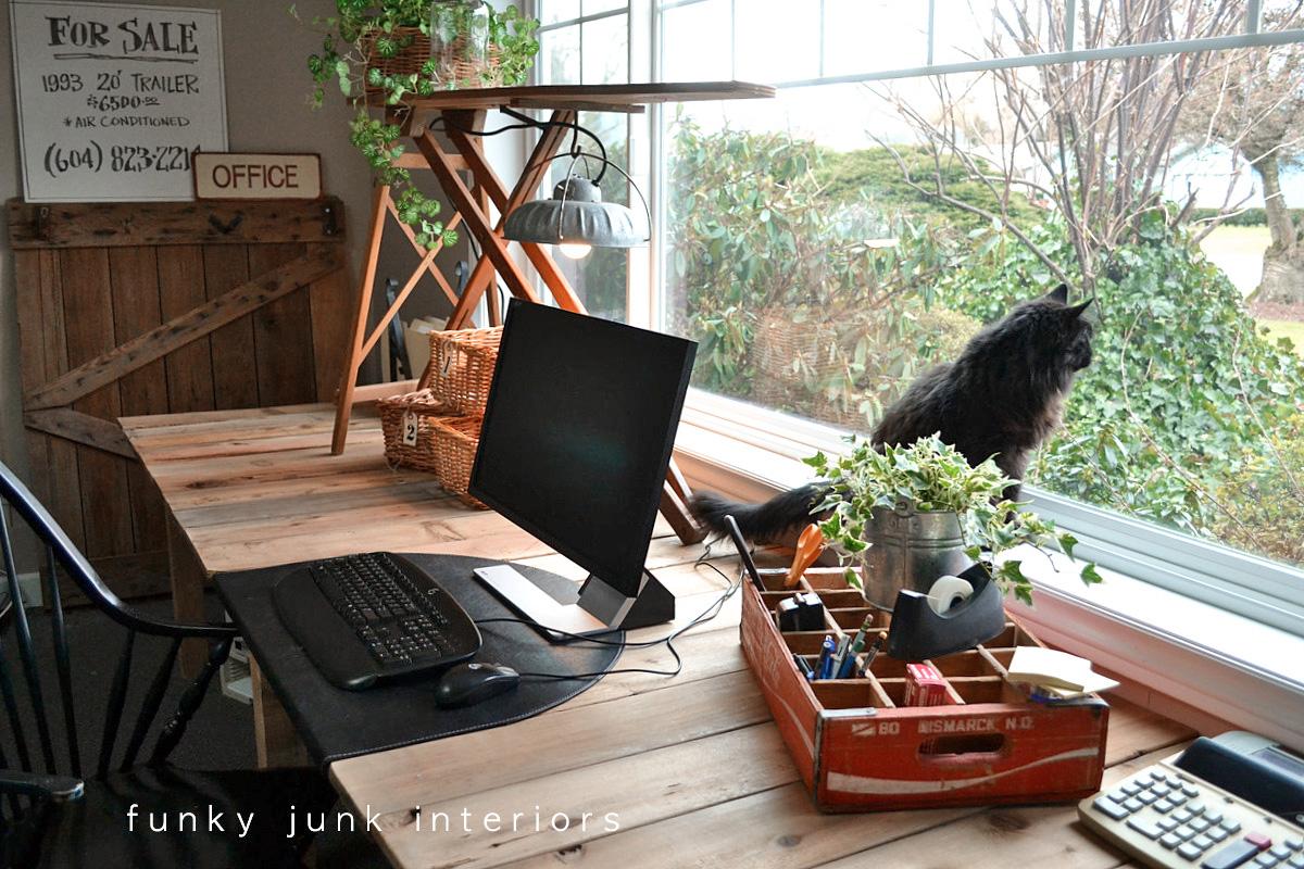 Pallet Wood Projects Desk Via Funky Junk Interiors