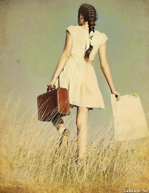 Cô gái đi xa
