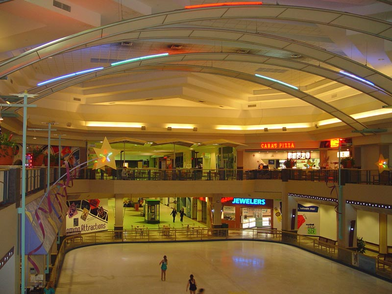 ... Which Makes Up The Peninsula That Includes Clearwater And St Petersburg.  Pinellas Square Mall, Last Known As Parkside Mall, Is Not One Of Those  Malls.
