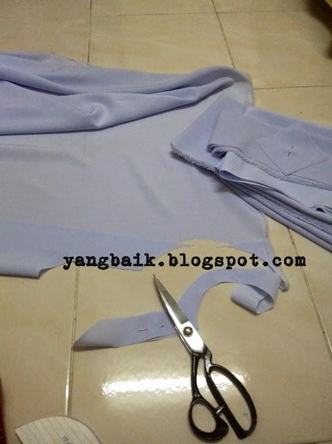 Jahit sendiri baju kurung sekolah