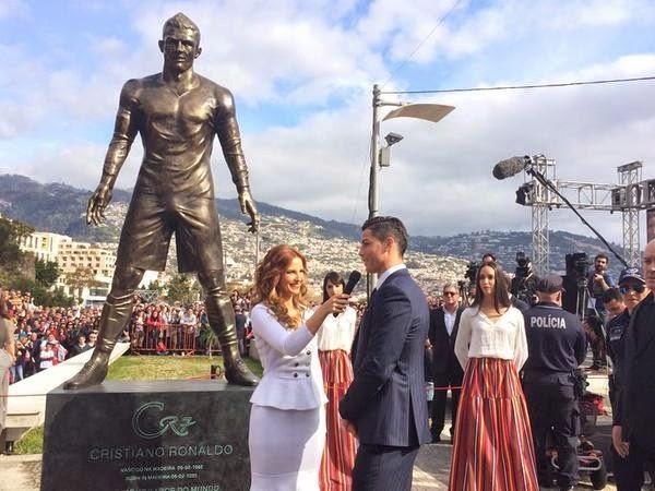 Hàng nghìn fan chen chúc xem lễ dựng tượng Cristiano Ronaldo