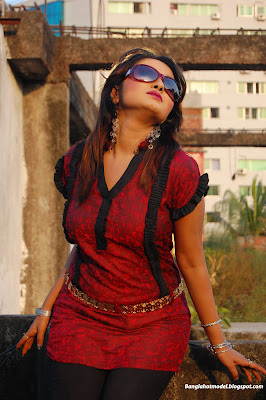 Hot Bangladeshi Girl