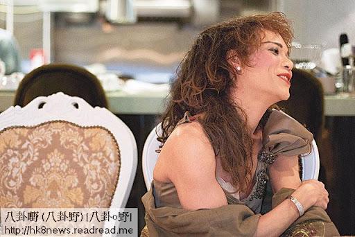 參加完四千人「出櫃」同志遊行,蘭子坐在私房菜餐廳透露,父母接受、社會認同,才是真正的「出櫃」。