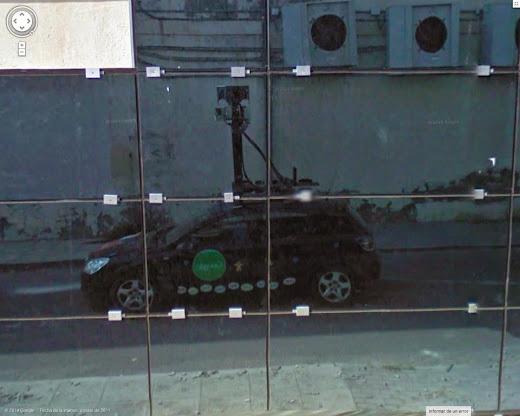 Otro reflejo del coche de Google