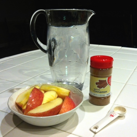 Apple cider vinegar and cinnamon are two home remedies that have long been used to drop excess pounds. Apple cider vinegar works to reduce appetite, increase metabolism and help prevent water retention, while cinnamon reduces cholesterol and maintains a healthy blood sugar level.