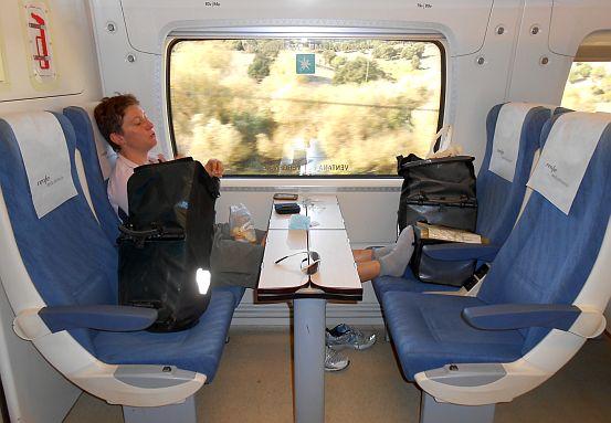 Miri im RENFE-Zug Media Distancia Algeciras - Granada